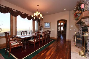 dining room in custom home in Bell Cross Ranch neighborhood in Parker, Colorado