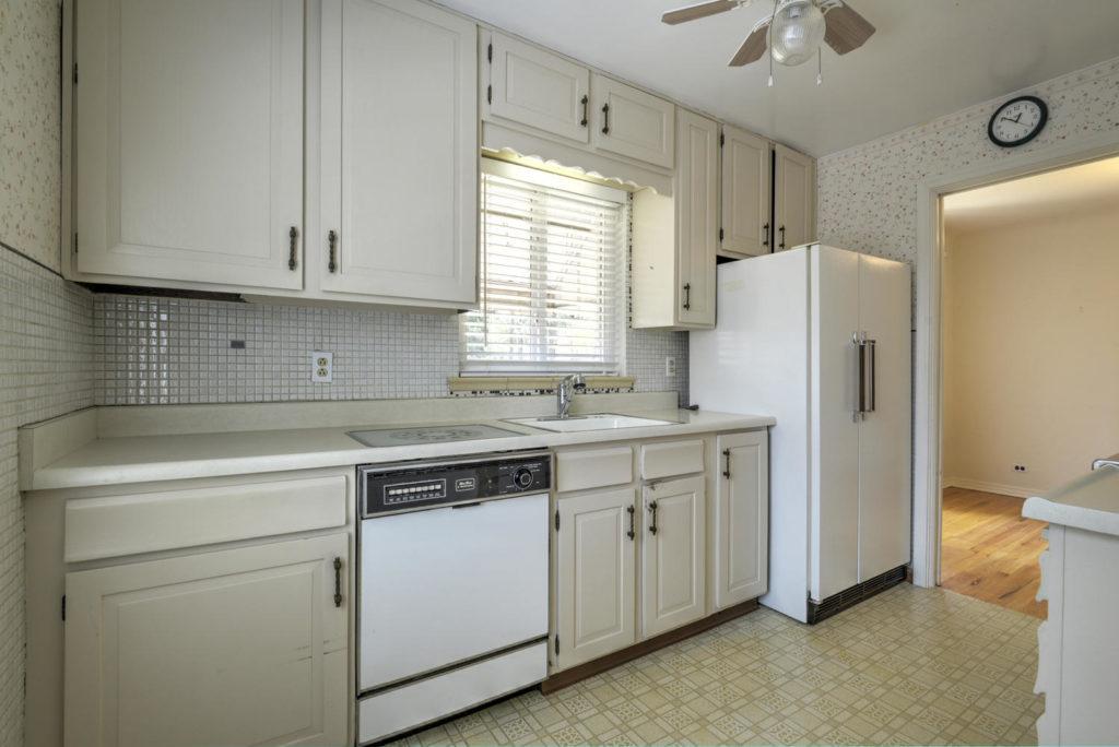 2695 Raleigh St Denver CO kitchen